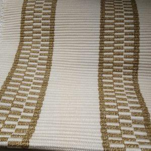 prestieranie svetlohnedé pruhy, so strapcami – šírka  35cm