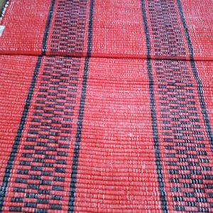 Vzor nite červený s čiernymi pruhmi – šírka 60cm