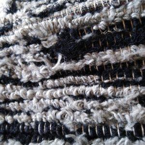 strapatý sivo-čierný – šírka 70cm