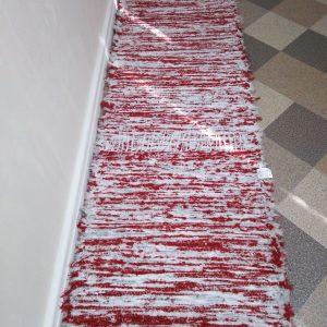 strapatý červeno biely š.60