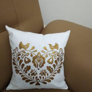 Ručne maľovaný vankúšik 27cm x 27 cm zlatý