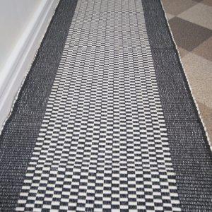 vzor nite sivý š.70 cm