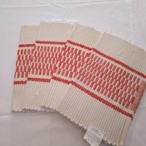 bielo-červené prestieranie pod taniere, vzor nite š. 30 cm